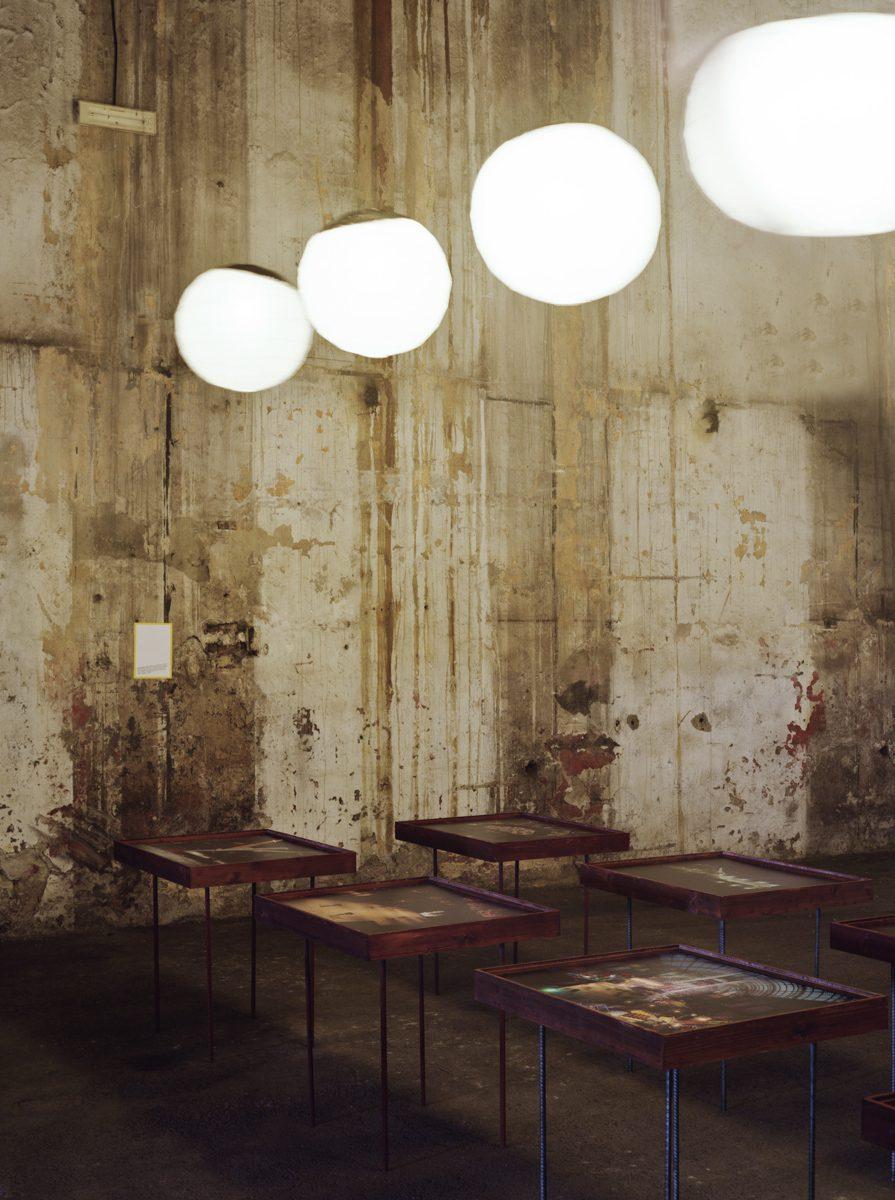 L'Impensé, Rencontres d'Arles, magasin électrique, 2010